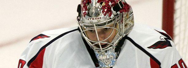 Jose Theodore pelasi viime kaudella 47 runkosarjaottelua Washington Capitalsissa.