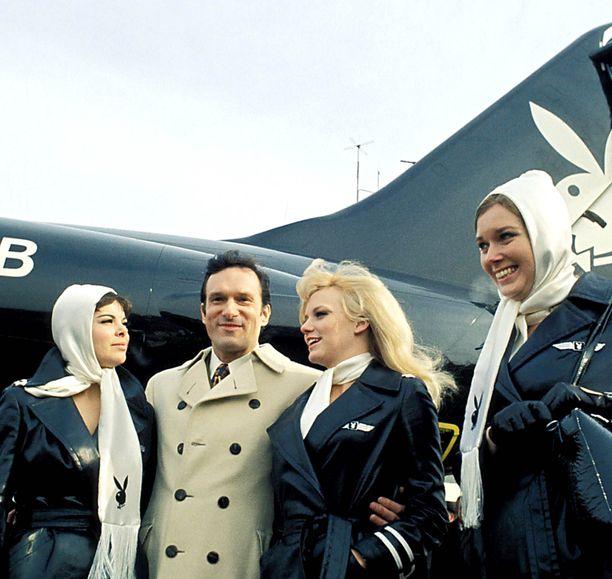 Hugh Hefnerin yksityiskoneen lentoemännät värvättiin Playboy-mallien joukosta.