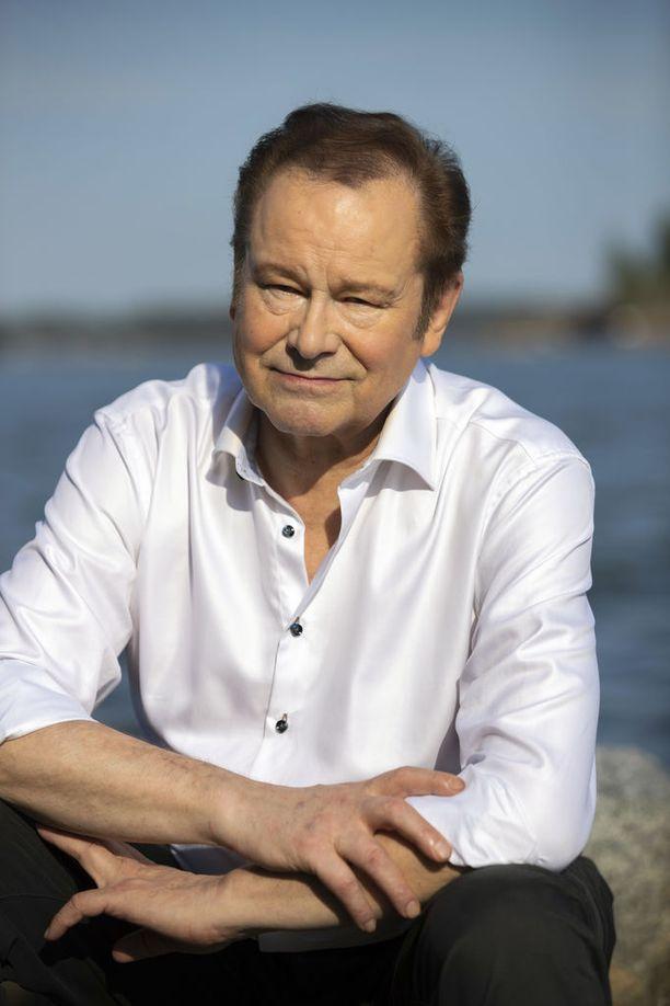 Tapani Kansa sai Savonlinnan-konserttinsa jälkeen ylistävää palautetta, jossa kehuttiin muun muassa konsertin tunnelmaa ja sisältöä sekä miehen lauluääntä ja karismaa.
