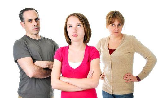 Asiantuntijan yllättävä vinkki teinin vanhemmille: Säilytä kuilu aikuisen ja lapsen välillä
