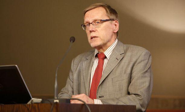 Valtiovarainministeriön ylijohtaja, valtiotieteen tohtori Jukka Pekkarinen.