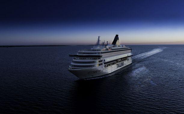 Tallink Europa -laivalla oli viime viikonloppuna erimielisyyttä siitä, kuuluuko pahoinpitelyn uhrille soittaa ambulanssi.