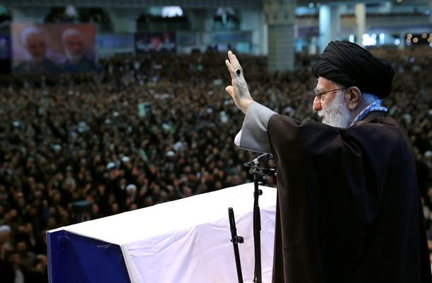 Sisäpoliittisten jännitteiden kiristyessä Iranin korkein johtaja Ali Khamenei piti poikkeuksellisen julkisen saarnan Teheranissa perjantairukouksen yhteydessä.