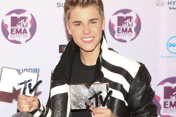 Justin Bieber on lehtitietojen mukaan löytänyt jo uuden rakkaan.