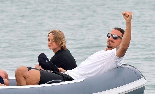 Zlatan perheineen lomaili elokuussa Ranskan St. Tropez'ssa.