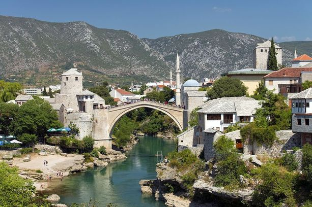 Mostarin vanha silta Bosnia-Herzegovinassa.