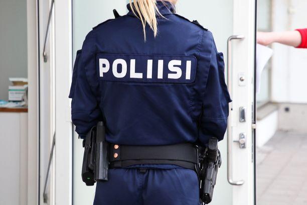 Poliisin toimintaresurssit pitää turvata.