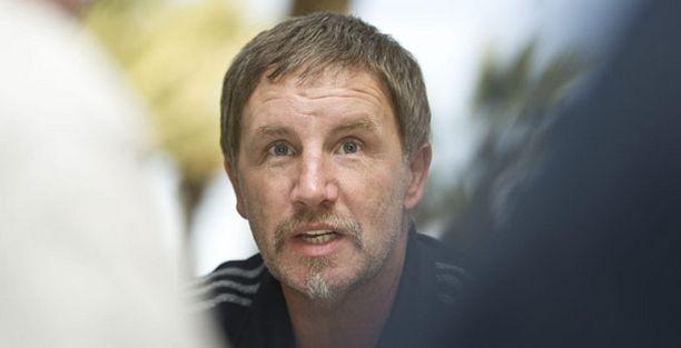 Palloliitto hakee vielä Stuart Baxterin joukoille toukokuulle harjoitusvastustajaa.