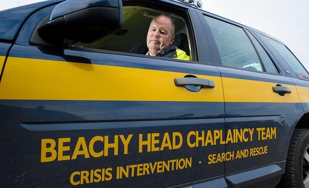 Alueella kiertelee muun muassa kirkon vapaaehtoisia yrittämässä estää itsemurhia.