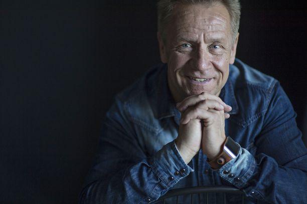 Olli Lindholm on esiintynyt useasti Iskelmä Gaalassa.