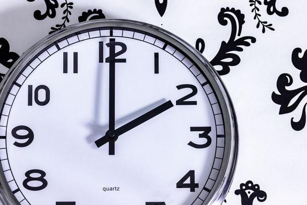 EU-parlamentti päätti maaliskuussa, että kellojen siirtely Euroopan unionissa lopetetaan.