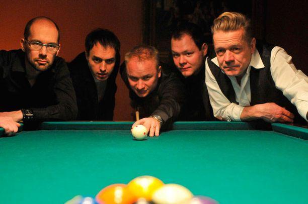Yölinnun ex-jäsenet muodostivat uuden yhtyeen ilman Silmun veljeksiä.