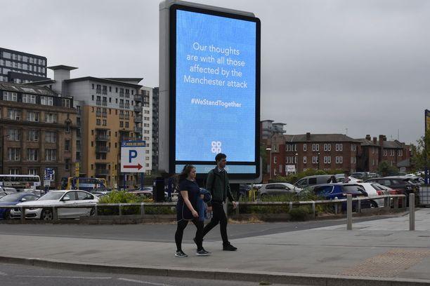 Manchesterin viesti iskun jälkeen on ollut, että kaupunki selviää iskusta yhdessä.