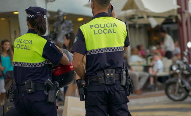 Espanjan poliisi on pidättänyt ruotsalaismiehen naisystävänsä raaŽasta surmasta.