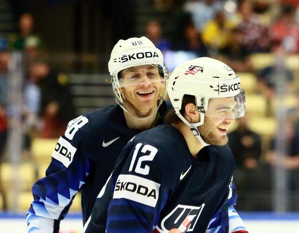 NHL-supertähdet Patrick Kane ja Alex DeBrincat nähtiin USA-paidassa jo Tanskan MM-kisoissa - ja niin myös Slovakiassa.