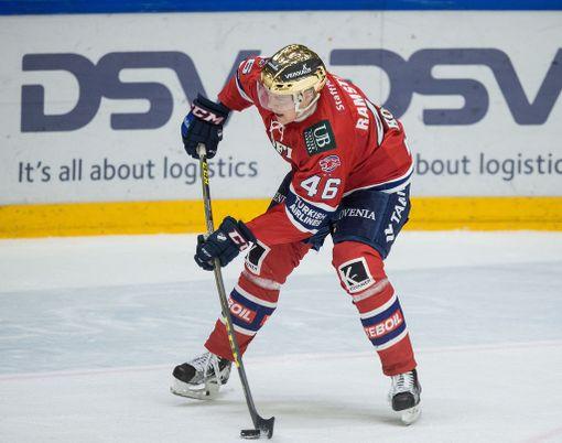Kun Ramstedt pelasi viimeisintä kauttaan HIFK:ssa, hän oli omien laskujensa mukaan joukkueen ainoa, joka pystyi pelaamaan kaikki pelit.