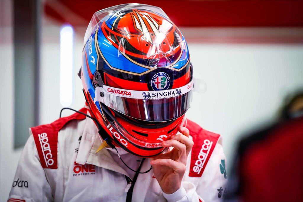 Kimi Räikkönen heitti kisainsinöörille veitsenterävän kuitin – radiokeskustelu nousi hitiksi