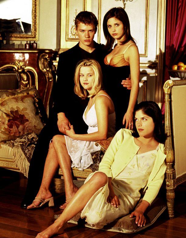Tältä Julmia aikeita -elokuvan tähdet Ryan Phillippe, Sarah Michelle Gellar, Reese Witherspoon ja Selma Blair näyttivät vuonna 1999.