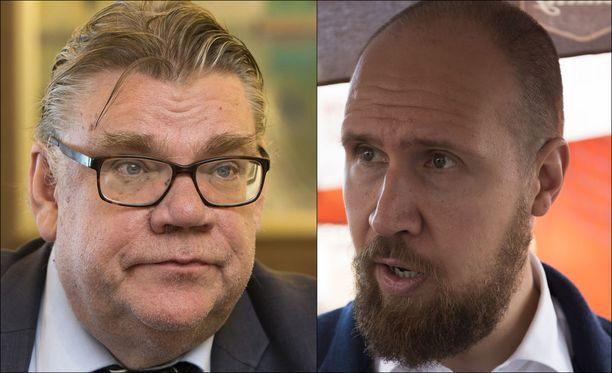 Touko Aalto (vas) vaatii Timo Soini eroa ulkoministerin pestistä.