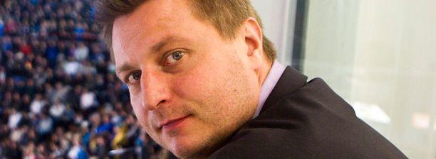 Venäläislähteiden mukaan Pasi Nurminen siirtyisi Omskiin.