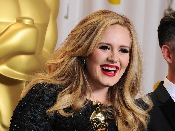 Avioero saattaa koitua kalliiksi Adelelle.