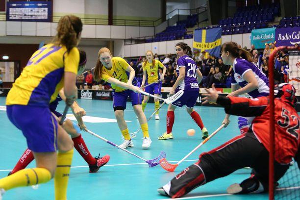 Ruotsi ei antanut armoa Ranskalle naisten salibandyn MM-karsinnoissa.