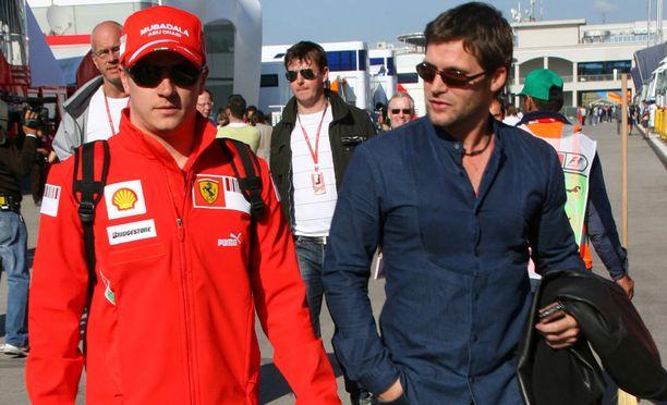 Kimi Räikkönen ja Steve Robertson Turkin GP:ssä vuonna 2008.