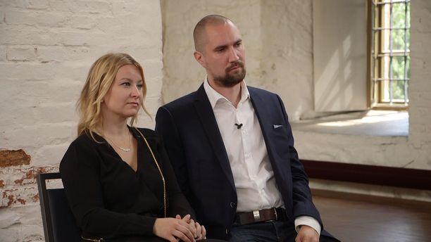 Miina ja Heikki päättivät jatkaa yhteistä matkaa.