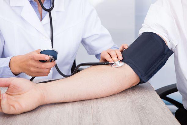Vuonna 2019 Valvira antoi 10 päätöstä lääkärin ammatinharjoittamisoikeuden menettämisestä. Kuvituskuva.