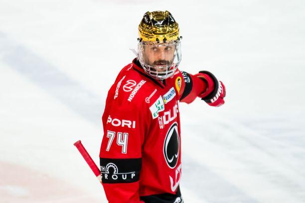 Peter Tiivola on noussut maajoukkueeseen asti pelatessaan Ässissä.