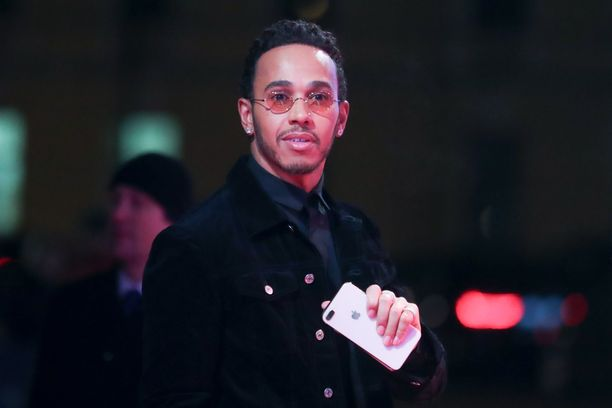 Lewis Hamilton osti upean kattohuoneiston New Yorkista.