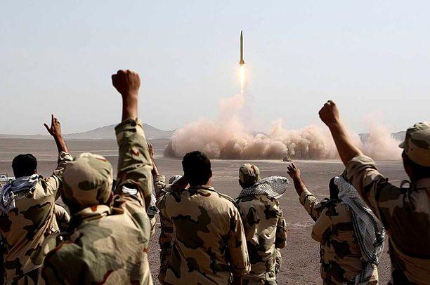 Iranin vallankumouskaarti testasi Shahab 3 -ohjusta onnistuneesti kesällä 2012.