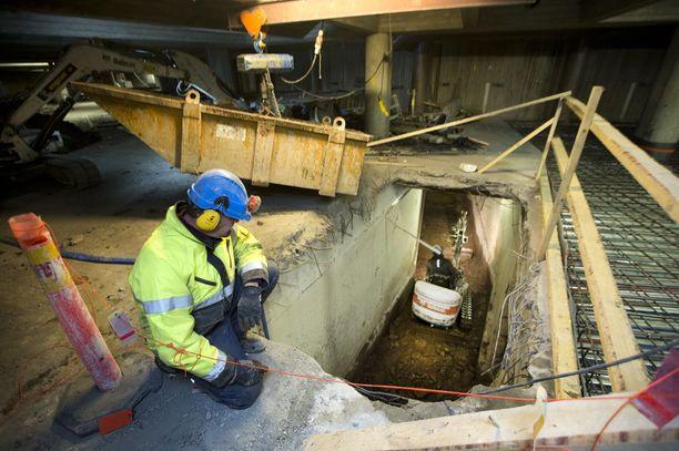 Lähes 40 prosenttia rakennusalan yrityksistä ilmoittaa kärsivänsä työvoimapulasta.