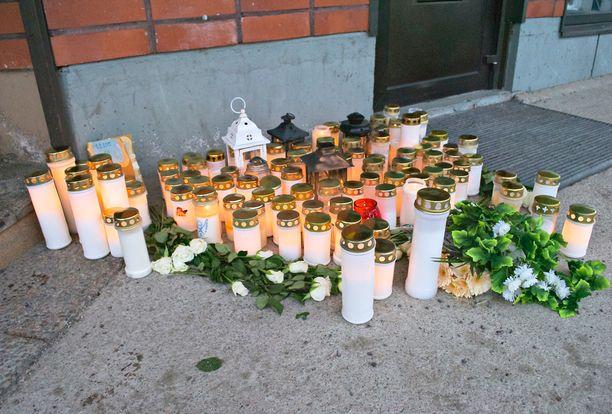Kolme ihmistä surmattiin Laukaassa maaliskuussa.