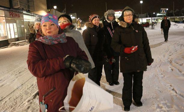 Kemin Kyllikit aloittivat toimintansa kaupungin katujen turvaamiseksi perjantai-iltana.