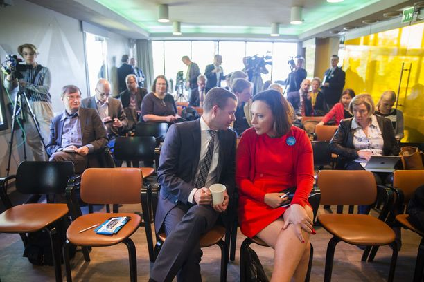 Anne-Mari Virolainen veti Petteri Orpon puheenjohtajakampanjaa vuonna 2016.