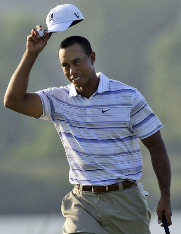 Woodsin johtoasema ei horjunut.
