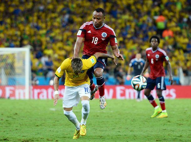 Brasilian ja Kolumbian välinen kamppailu oli ehtinyt 86. minuutille, kun Neymar ja Kolumbian Juan Zuniga kilvoittelivat pallosta.