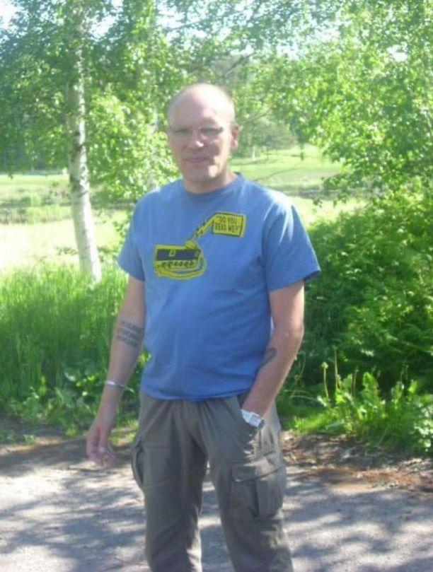 Kadonnut Marko on tuntomerkeiltään 175 senttimetriä pitkö ja hoikkavartaloinen.