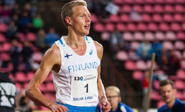 Topi Raitanen voitti 1500 metrin juoksun.