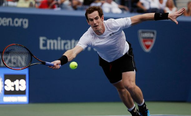 Andy Murray venytti jatkoon.