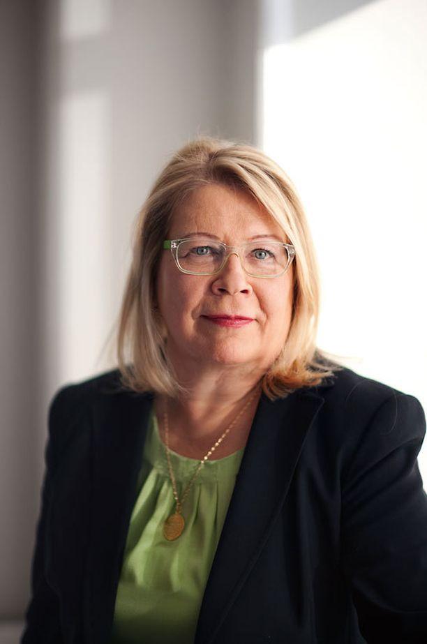 Suomen Mielenterveysseuran toiminnanjohtaja Marita Ruohonen kritisoi voimakkaasti maallikkosaarnaajan toimintaa.