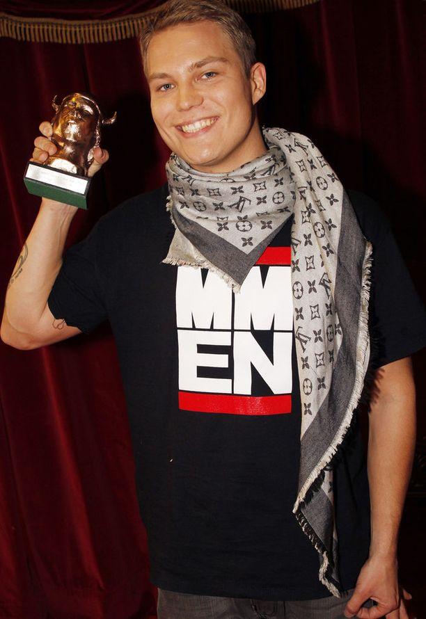 Emma-palkintoa kelpaa esitellä. Kuva vuodelta 2010.