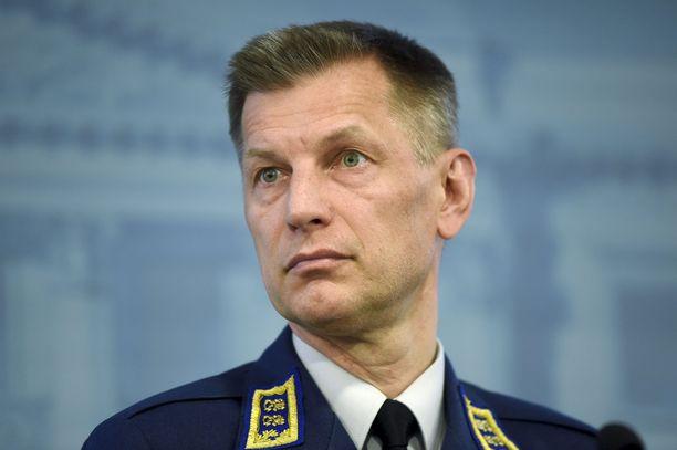 Sampo Eskelinen väistyy Ilmavoimien komentajan virasta.