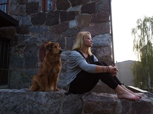 Hope-koira on Ellan tärkein ystävä.