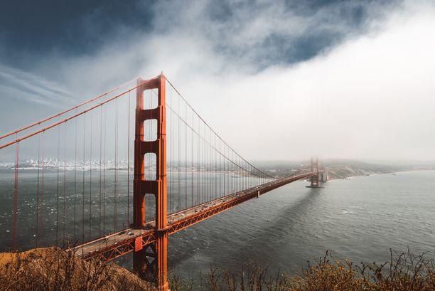 Golden Gate työllistää suuren joukon ihmisiä.