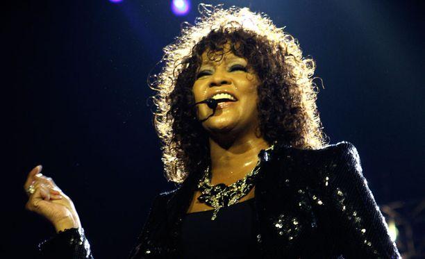 Vuosia jatkunut huumeidenkäyttö oli jättänyt jälkensä Whitney Houstoniin.