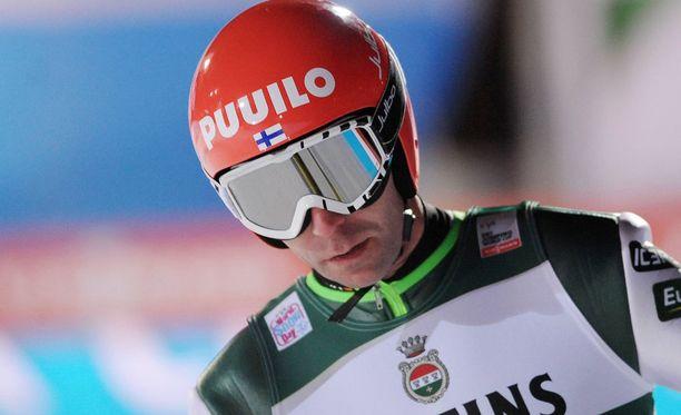 Janne Ahonen hyppäsi taas pisteille.