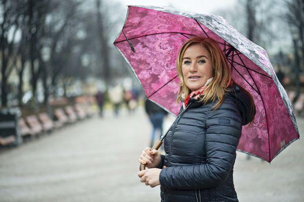 Aikuisena Milana kuuli äitinsä lähipiiristä ikäviä asioita omasta lapsuudestaan.