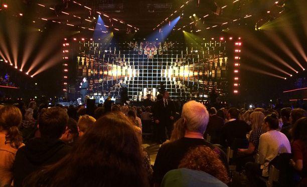 X Factor -studiolla alkaa olla kaikki valmista.
